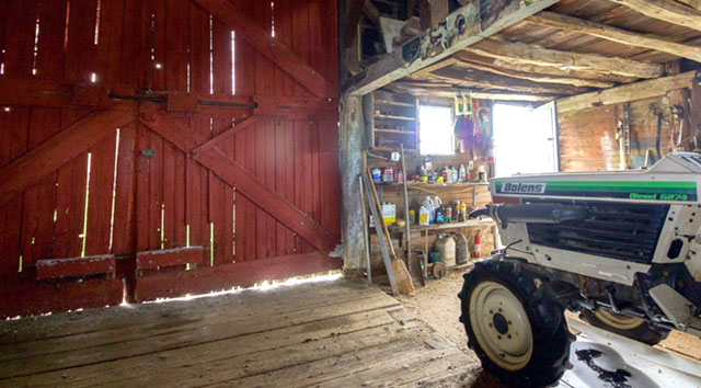 5-Barn-interior