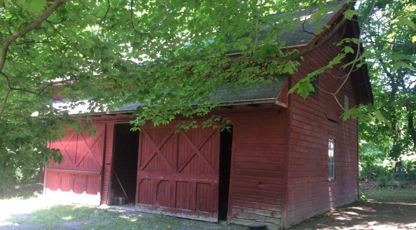 R & L Barn