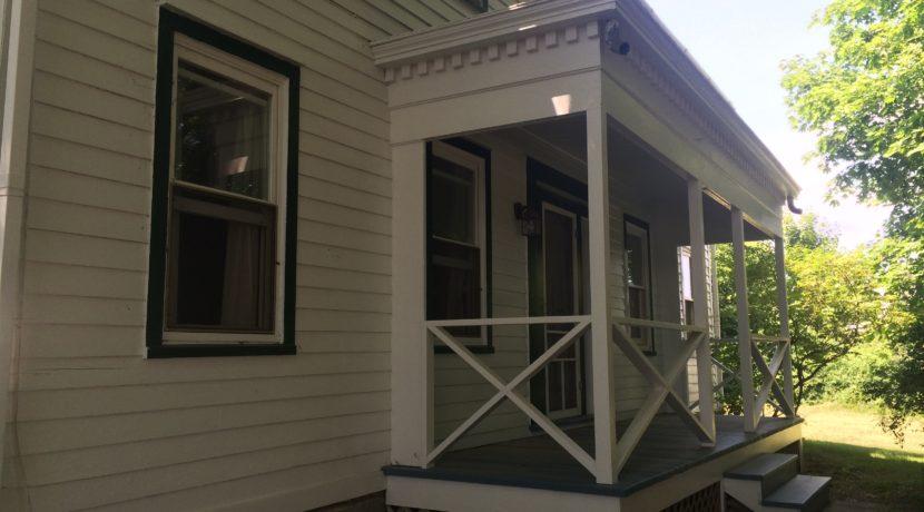 R & L Front Porch