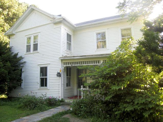 1905 Livingston Farmhouse