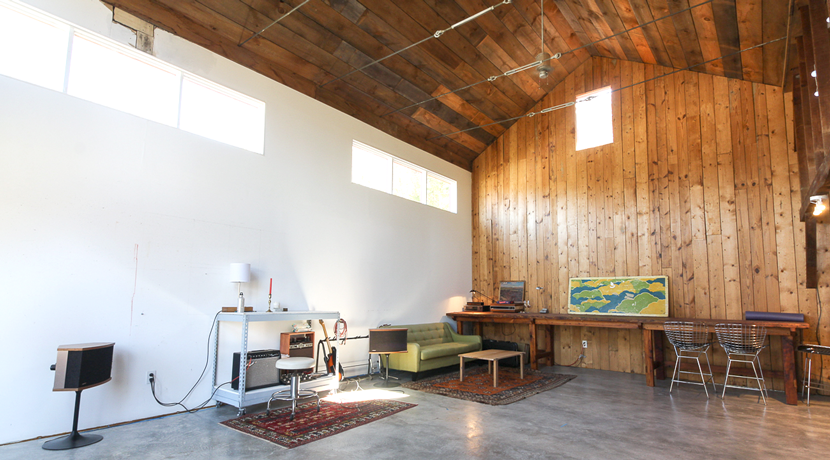 17-Studio-interior-2nd-shot