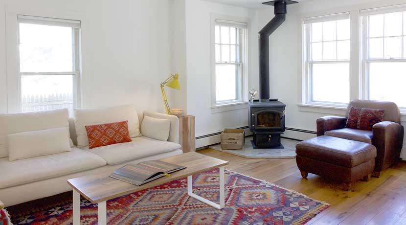 9-livingroom-3rd-shot