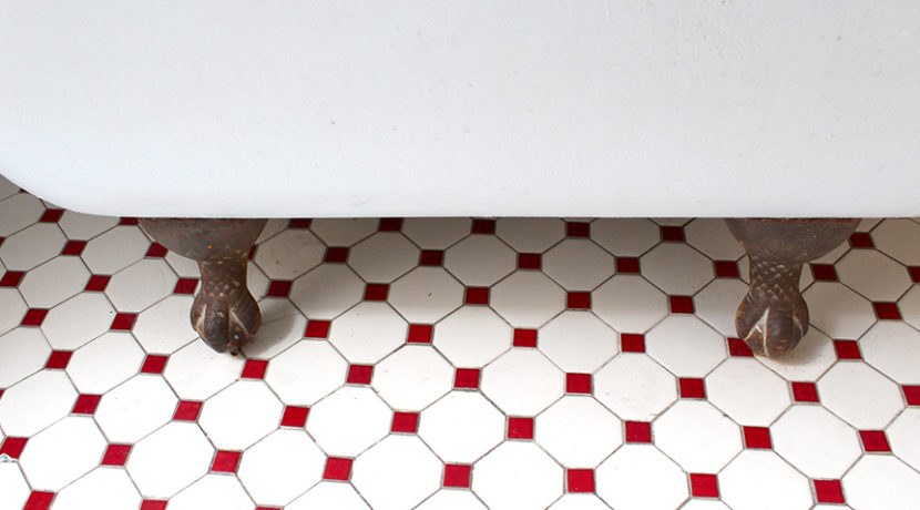 claw foot tub & tile floor
