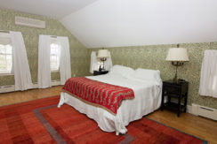 12-MasterBedroom