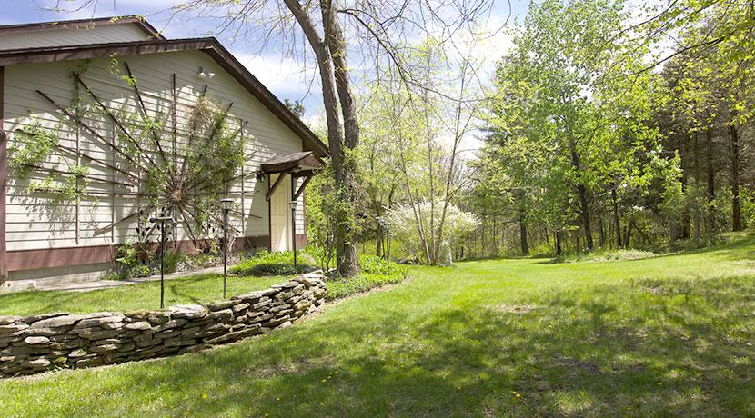 Bohnsack-exterior-house-side