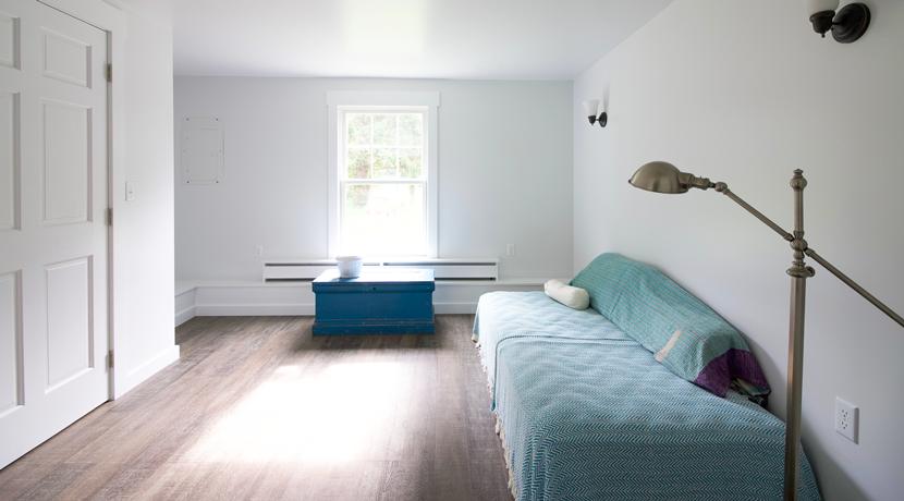 den_guestroom