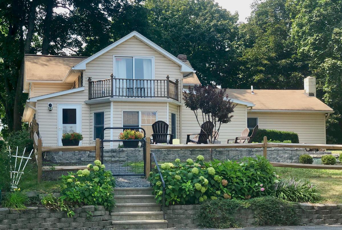 1900 Germantown Farmhouse