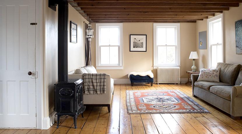 Viewmont-living-room