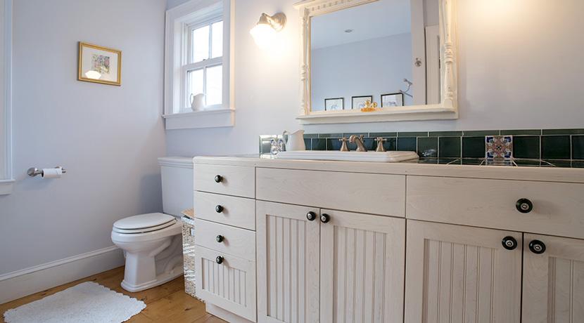 Viewmont-master-suite-bath-sink