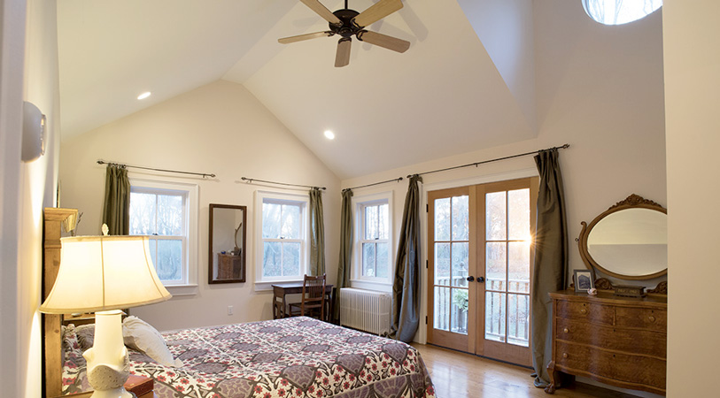 Viewmont-master-suite-bedroom-sunset