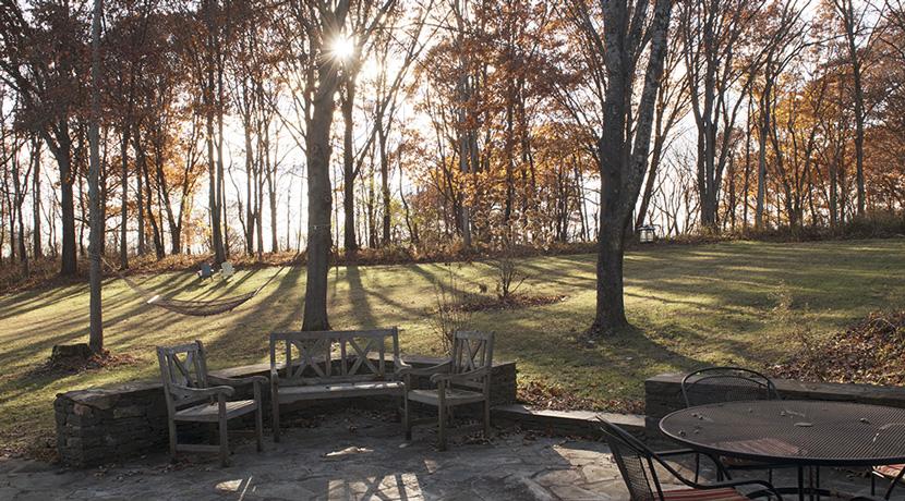 Viewmont-patio-hammock