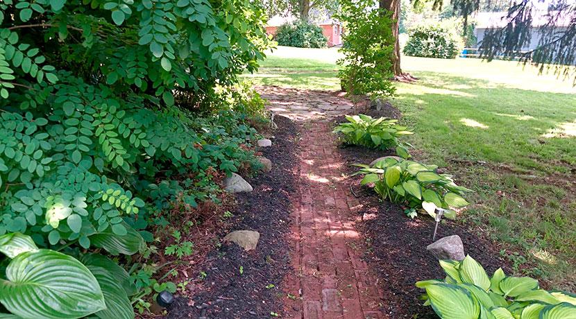 Finn-garden-brick-path