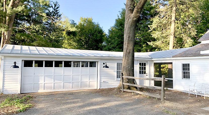 Bell Claverack Garage