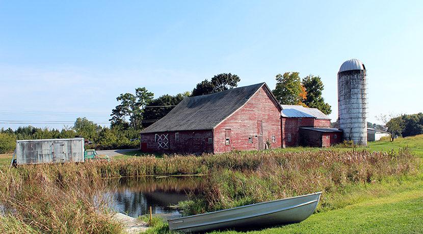 boat_pond_truck_barn_silo