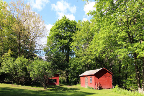 554 Church Pig barn & chicken coop